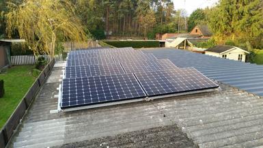 3.270Wp - Panelen Sunpower op golfplaten dak te Kasterlee