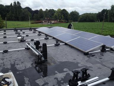 12.090Wp - Panelen Gista op plat dak te Kruishoutem