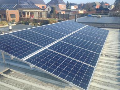 3.780Wp - panelen Solarwatt op plat dak te Oud-Turnhout