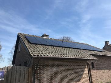 5.600Wp - Panelen Solarwatt FB te Bocholt