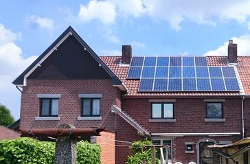 21 panelen axitec 265 wp met solar edge te genk