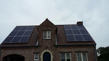 18 panelen axitec 265 wp met solar edge te kortessem