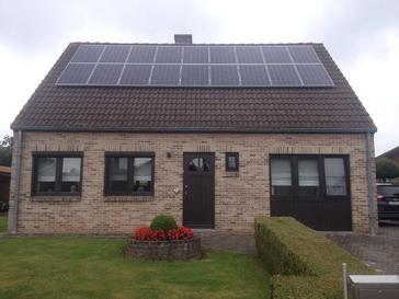 18 panelen axitec 265 wp met solar edge te alken