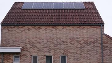 16 panelen axitec 265 wp met solar edge te maasmechelen