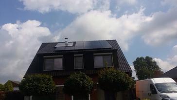 14 panelen axitec 270 wp full black te Neerpelt