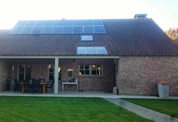 18 panelen axitec 265 wp met solar edge te bocholt