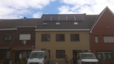 PV installatie op appartementsgebouw
