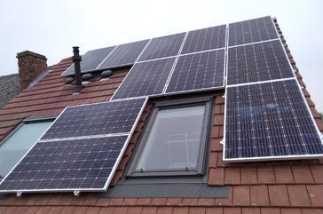 17 panelen AXITEC 300 WP met Solar Edge te Meerbeek