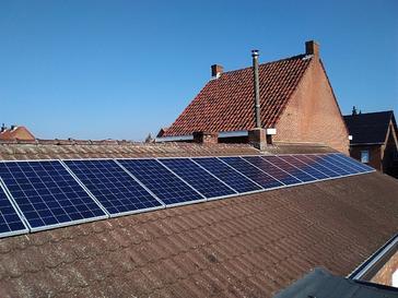 15 panelen VIESSMANN 275 WP met Solar Edge te Leopoldsburg