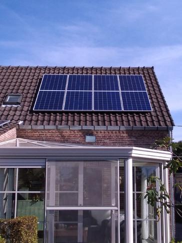 20 panelen AXITEC 275 WP met Solar Edge te Nieuwerkerken