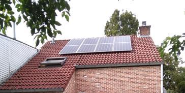 8 panelen AXITEC 300 WP met Solar Edge te Hasselt