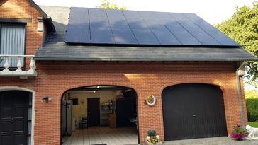 24 panelen AXITEC 300 WP met Solar Edge te Peer