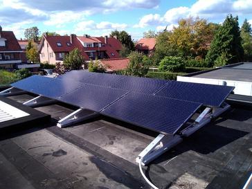 20 panelen AXITEC 300 WP Oost-Zuid-West met Solar Edge te Hasselt