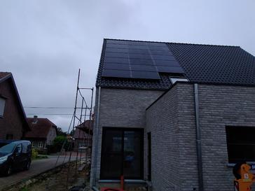 20 panelen AXITEC 300 WP met Solar Edge te Hamont