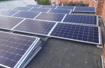 19 panelen AXITEC 300 WP met Solar Edge te Lummen