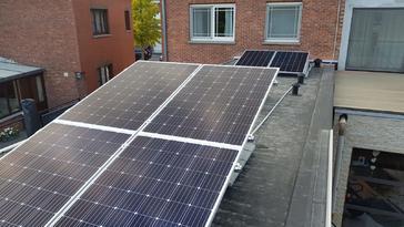 16 panelen AXITEC 300 WP met SolarEdge te Hasselt
