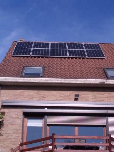 10 panelen AXITEC 300 WP te Tervuren