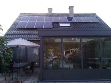 30 panelen AXITEC 275 WP Oost-West te Haacht