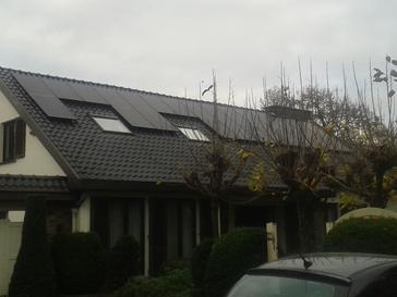 Zwarte zonnepanelen op een zwart dak, super!