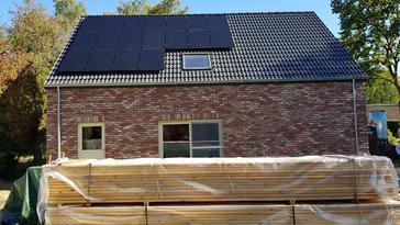 18 panelen VIESSMANN 300 WP te Diepenbeek