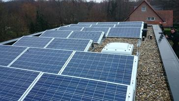 22 zonnepanelen 250 Wp te As-Limburg