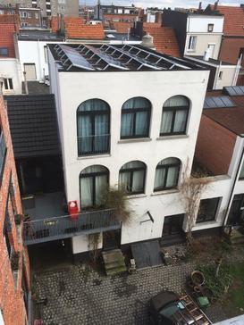 Plat dak installatie met Viessmann panelen