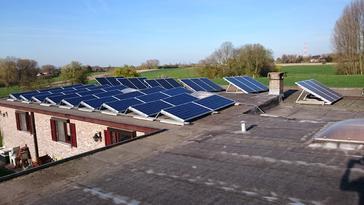 24 panelen AXITEC 260 Wp te Heldergem - Oost Vlaanderen
