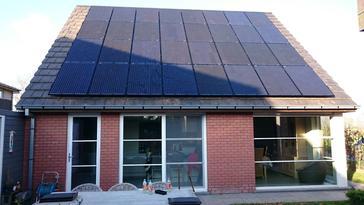 32 panelen 260 Wp Axitec full Black te Kortemark - West Vlaanderen