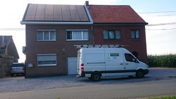 21 panelen AXITEC 270 Wp full black te St-Truiden