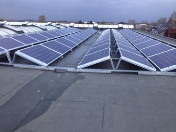 102 panelen AXITEC 260 Wp te Nieuwerkerken Oost-West geplaatst