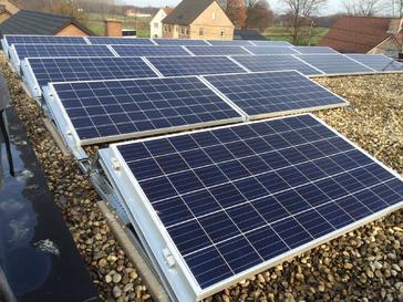 18 panelen AXITEC 265 met SolarEdge Wp te Maaseik