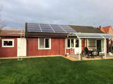16 panelen AXITEC 265 WP met SolarEdge te Hoegaarden