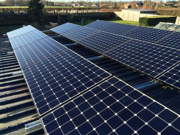 15 panelen Sunpower 327 Wp te Bree