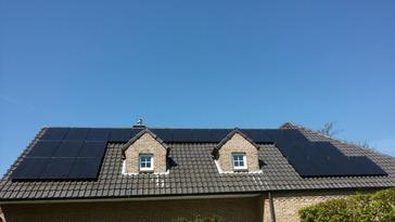 26 panelen axitec 270 wp full black solar edge te genk