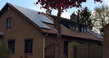31 panelen axitec 265 wp solar edge te maasmechelen